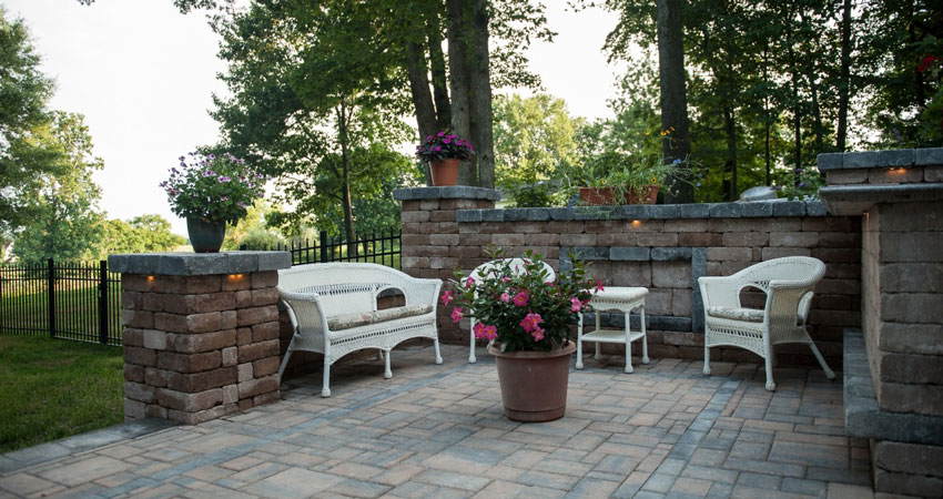 paver-patio-wall
